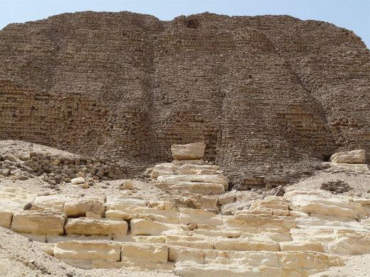 EGITTO - LA STRANA PIRAMIDE DI SESOSTRI II